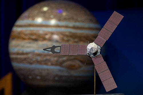 Model of NASA Juno Space Probe and Jupiter1