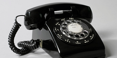 The classic Bell Model 500 phone was also in the best (and only) choice for many decades, available in many colors; many variants took over its role after this model was phased out. (Source: Cooper Hewitt, Smithsonian Design Museum, New York)