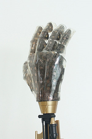 The artificial skin can boost the prosthetic hand capability to feel stimuli (Source: Chemistry World)