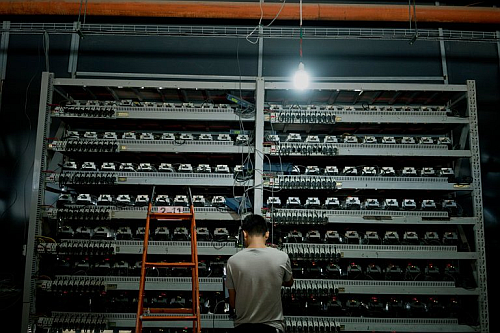 A Bitcoin farm in Inner Mongolia (Image courtesy of Reference 3; Giulia Marchi)