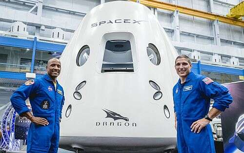NASA Astronauts Victor Glover (L) and Mike Hopkins (R) (Image courtesy of SpaceX)
